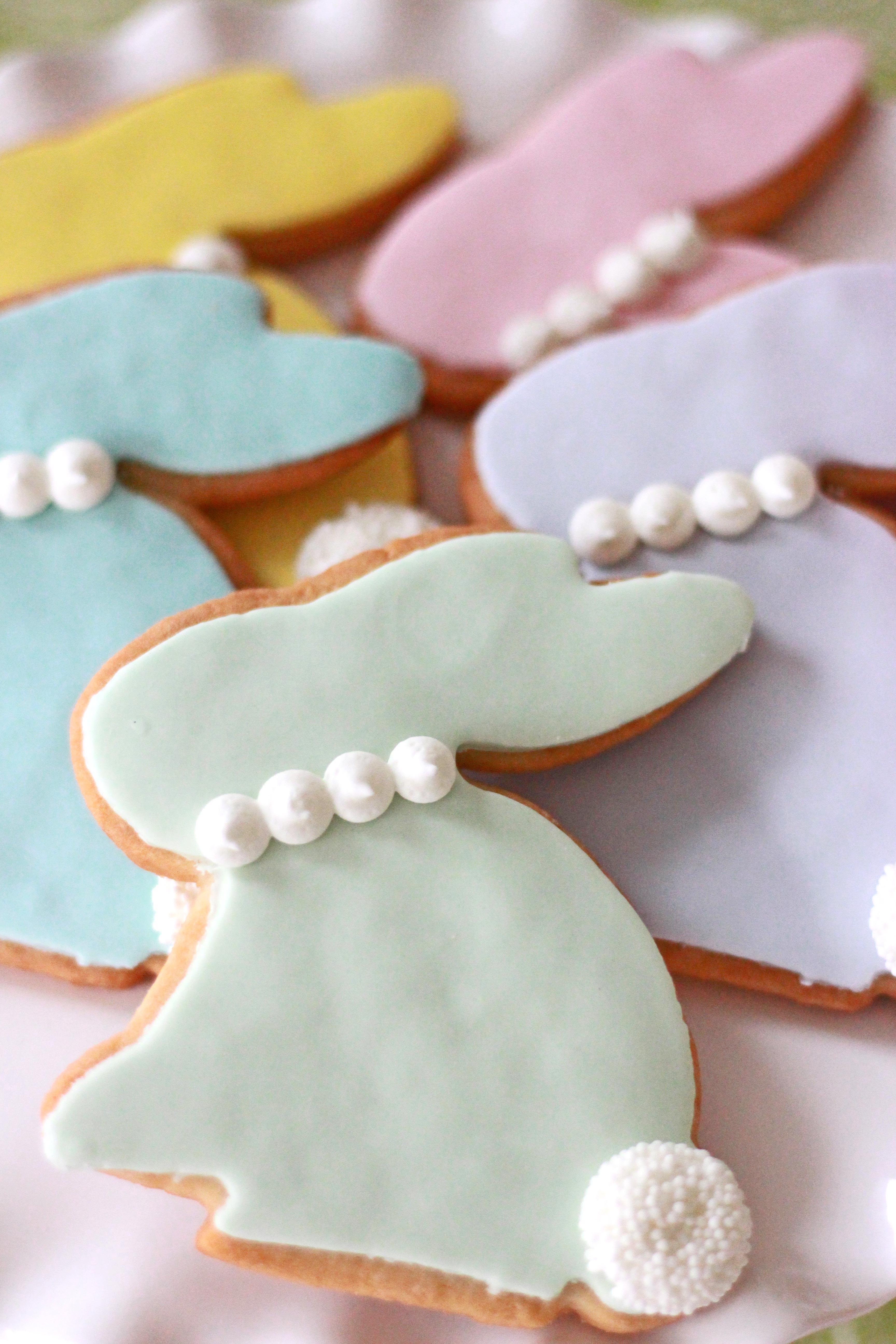pastel easter bunny cookies