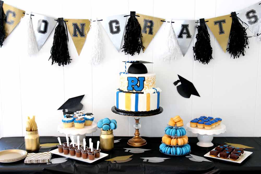 custom graduation cakes and dessert tables
